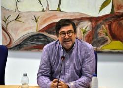 Juan Torres: �Hemos de cambiar y aprender a vivir de otra forma�