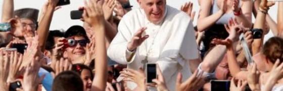 Francisco con los movimientos eclesiales por Pentecostés