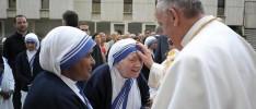 Papa Francisco con las misioneras de la Caridad