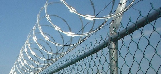 La HOAC apoya a Cáritas en su rechazo al uso de cuchillas en la valla de Melilla
