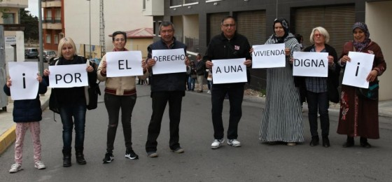 San Miguel de Salinas | La HOAC pide viviendas sociales para 50 familias en precario